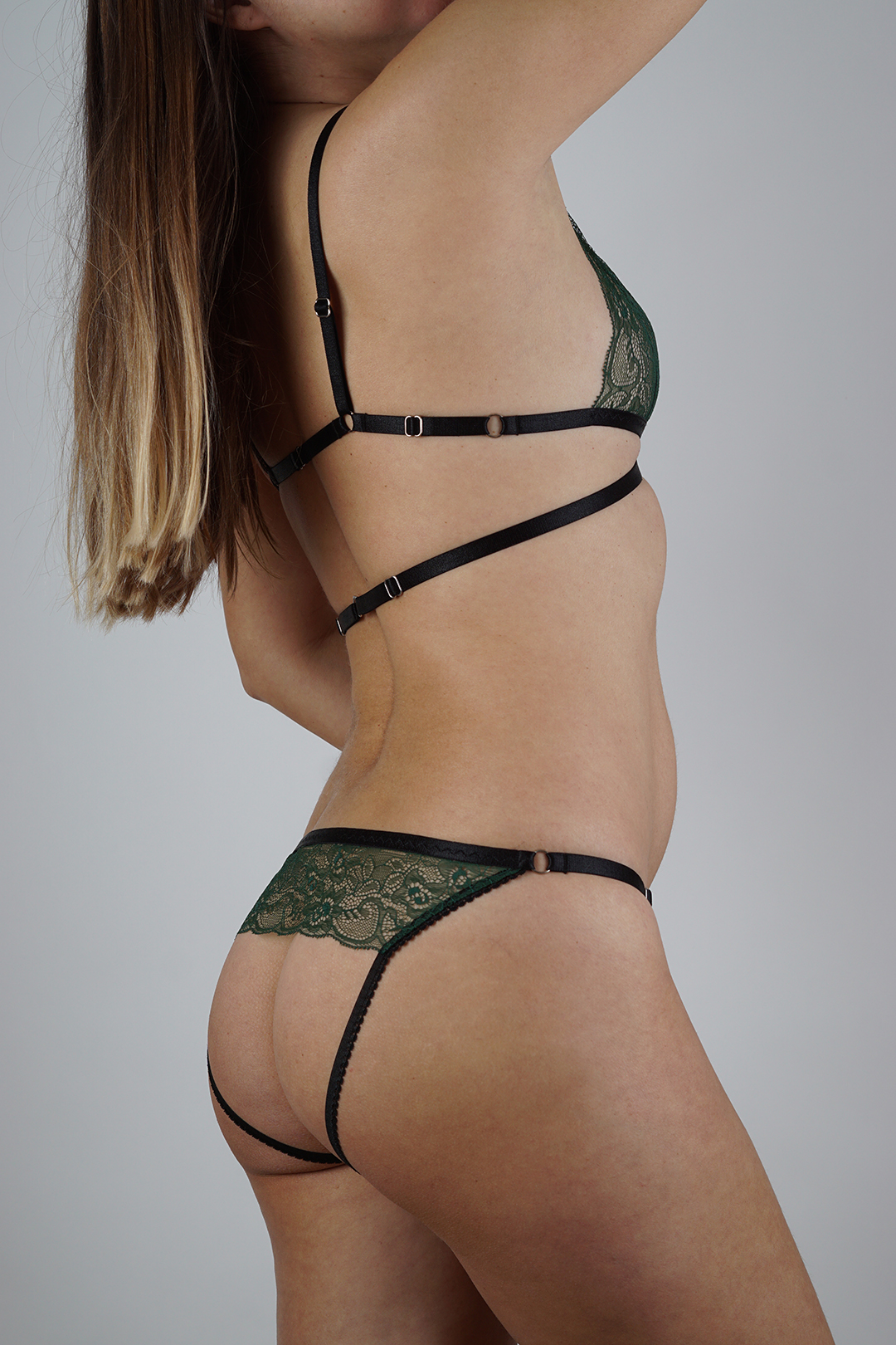 Green lingerie set with strappy bralette and ouvert panties - BlackWings Lingerie