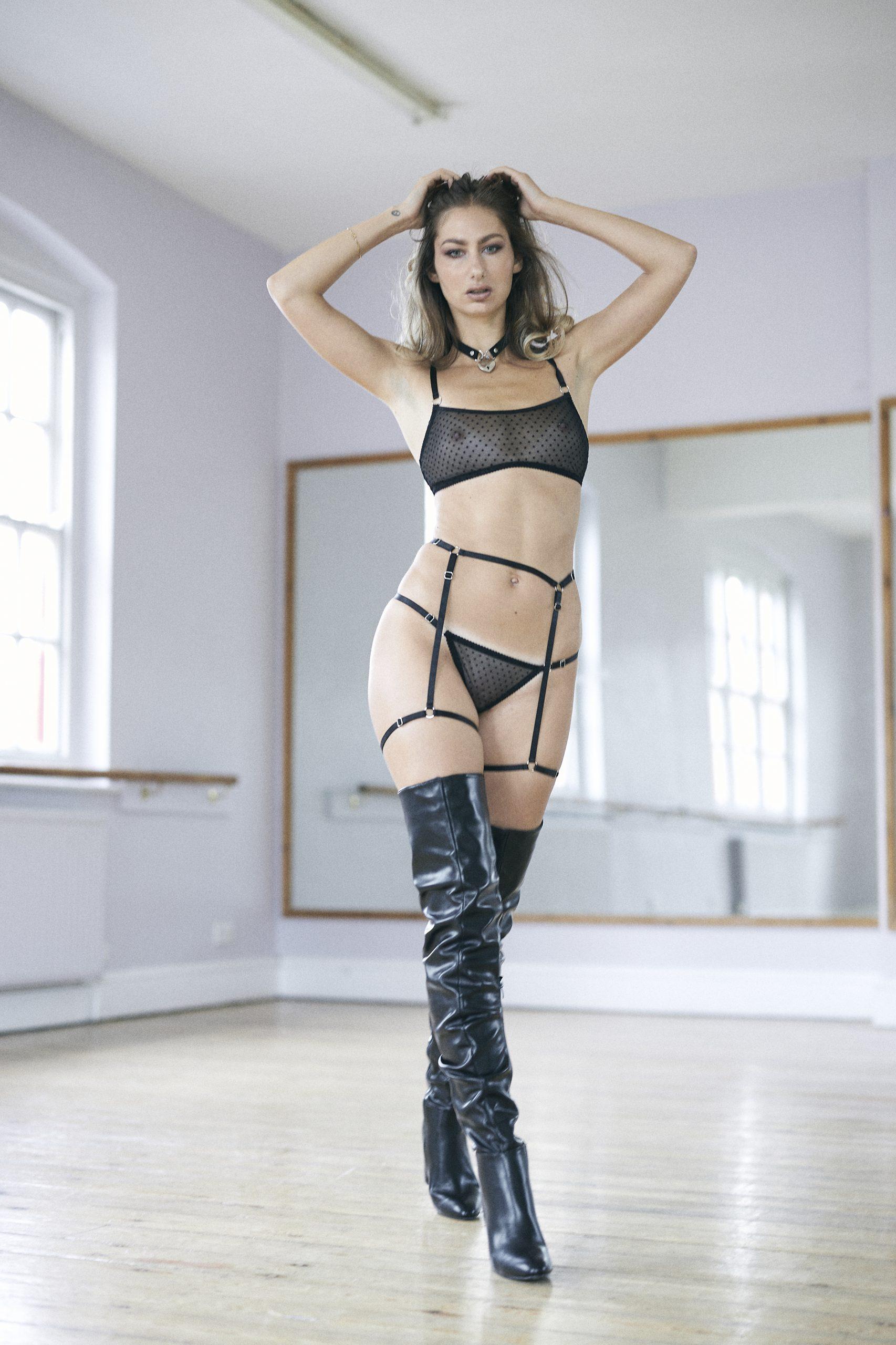 BlackWings Lingerie-Harness Garter Belt